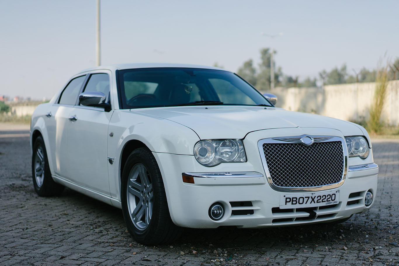 Chrysler 300 - the grand vehicle!!